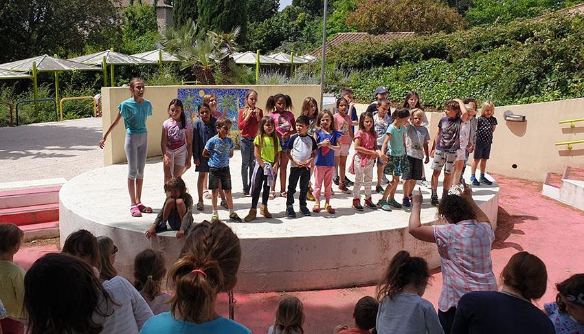 La chorale de l'école Montessori d'Antibes